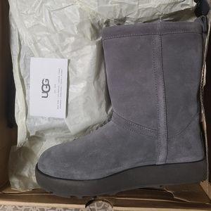 NWB Grey UGGs Size 6